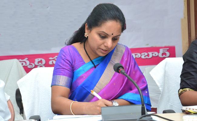 MP Kavitha Resigns Singareni Coal Workers Union Honorary President Post - Sakshi