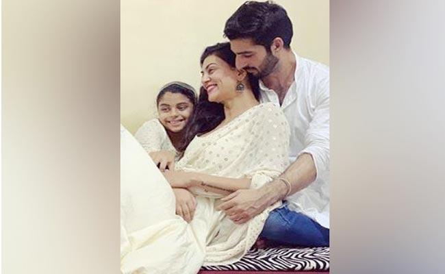 Sushmita Sen Boyfriend Rohman Shawl Wins Race For Her Daughter - Sakshi