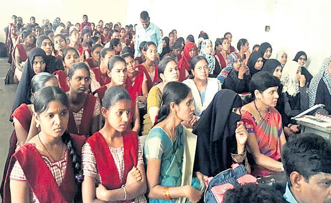 Collector Talk Me In Village Peoples Medak - Sakshi