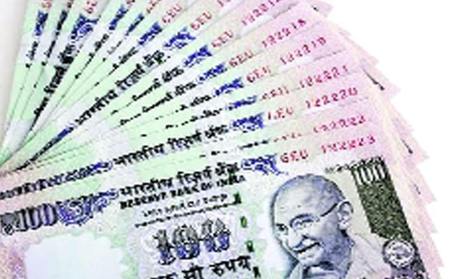 3 Percent DA High For Central Govt Employees - Sakshi