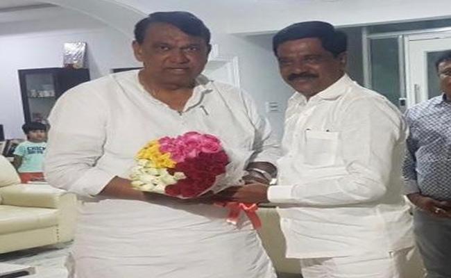 Speaker Pocharam Srinivas Reddy Wishes Vemula Prashanth Reddy - Sakshi