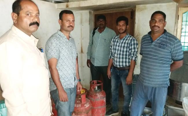 Vigilance Attack on Hotels in Srikakulam - Sakshi