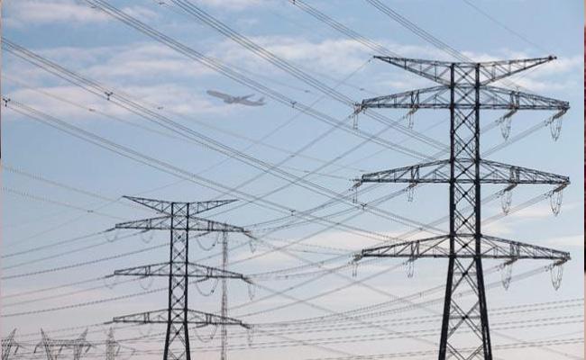 Central Power Lines Work Not Completed Karimnagar - Sakshi