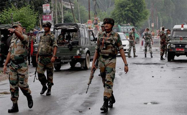 High Alert In Jammu And Kashmir Over Intelligence bureau Alerts Centre Over Blasts - Sakshi