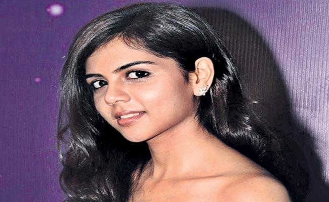 Kalyani Priyadarshan busy with Movies in Telugu and Tamil - Sakshi