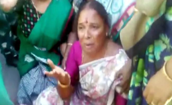 Chevireddy Bhaskar Reddy Fires On CM Chandrababu Naidu - Sakshi