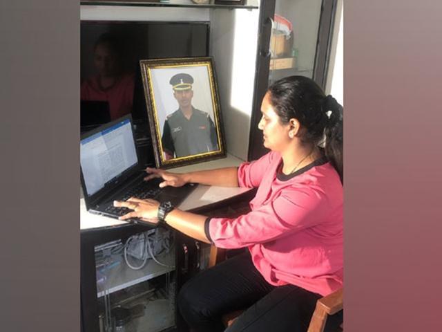 Mumbai Major Prasad Ganesh Killed In Fire Now His Wife Join Army - Sakshi
