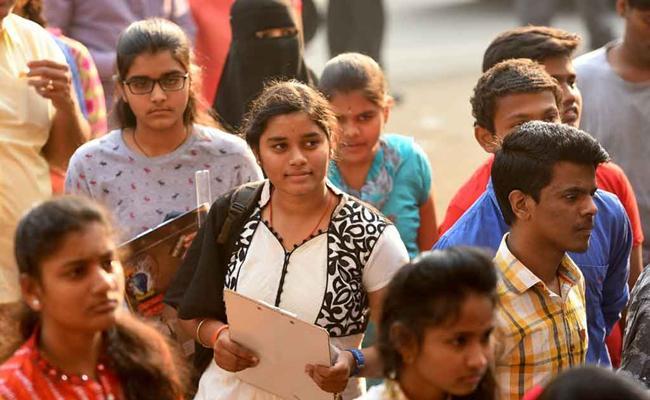 Intermediate examination starts in Telugu States - Sakshi