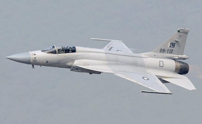 Iaf Restrain Pakistan Fighter Jets IN lOC - Sakshi