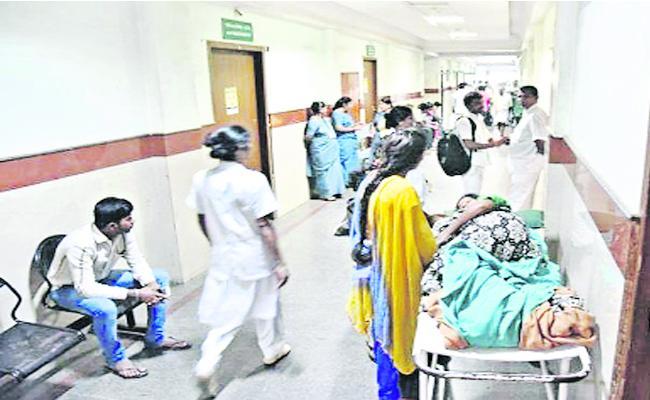 Doctor Late Attending to Hospital in Karnataka - Sakshi