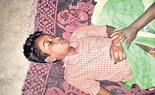 Boy Died in Strucked Lift Hyderabad - Sakshi