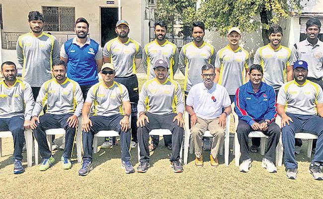 Andhra Bank Won HCA Odi League - Sakshi