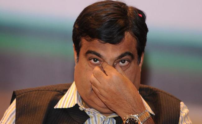 Nitin Gadkari Jockeying For Prime Minister Post - Sakshi