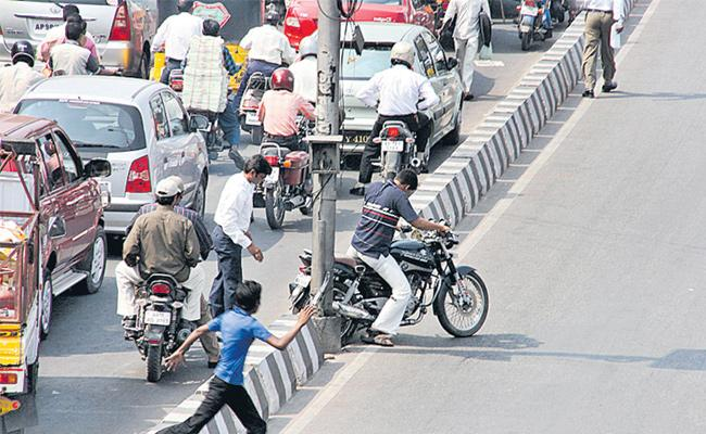 Traffic violations are more tight - Sakshi