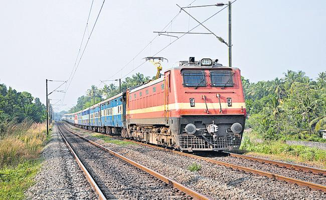 South Central Railway has 108 special trains - Sakshi