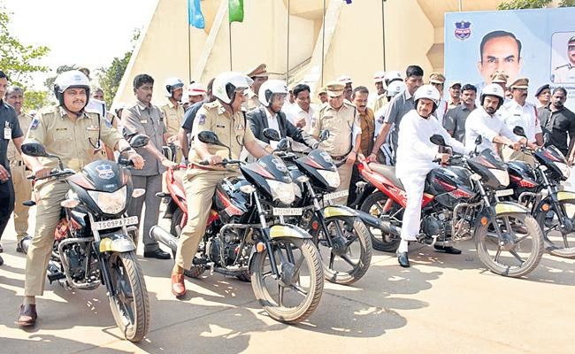 Traffic Rules Awareness Rally in Hyderabad  - Sakshi