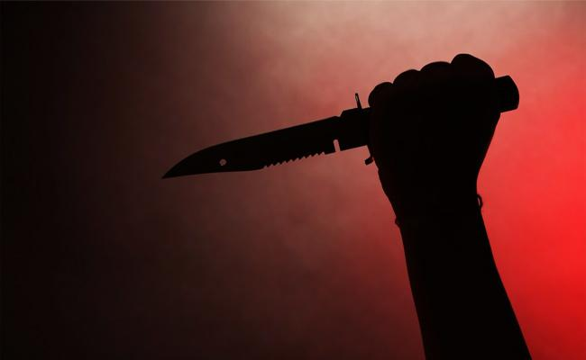 Young Women Knife Attack on Man in Anantapur - Sakshi