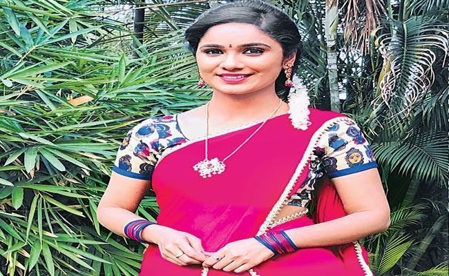 Tejaswini was introduced to Kailamma serial - Sakshi