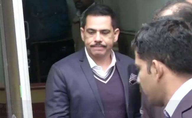 Robert Vadra Appears Before Enforcement Directorate on Second Day - Sakshi