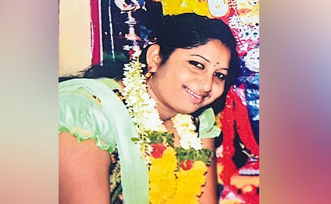 Women Murder Case Details Find in Hyderabad - Sakshi