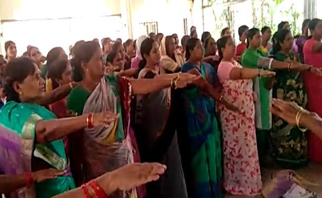 DWCRA Women Forced To Promise By TDP Leaders In Visakhapatnam - Sakshi