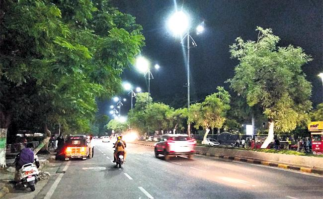 Street Lights In Hyderabad - Sakshi