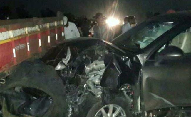 Two died In Road Accident In Tadepalligudem - Sakshi