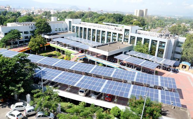 TDP Government Delayed GVMC Funds - Sakshi
