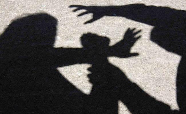 Fellow Students Molested Tenth Girl In Proddatur - Sakshi