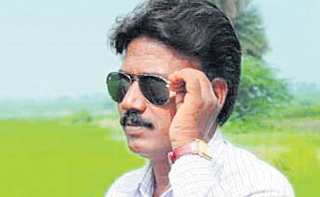 Sakshi Employee Bala Mysaiah Died By MMTS Train Accident