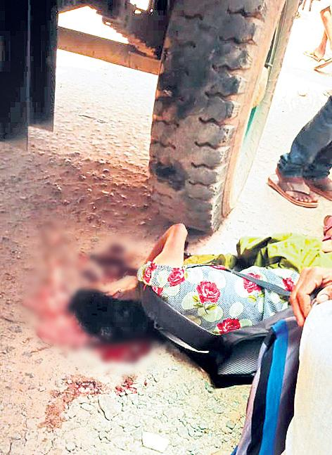 Intermediate Student Died In Road Accident At Rangareddy - Sakshi