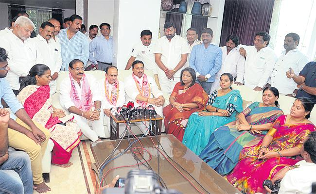 TRS Play Important Role In All Over Indian Politics - Sakshi
