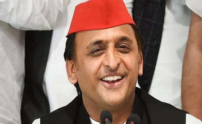 Akhilesh Yadav A Dynamic Leader from Uttar Pradesh - Sakshi