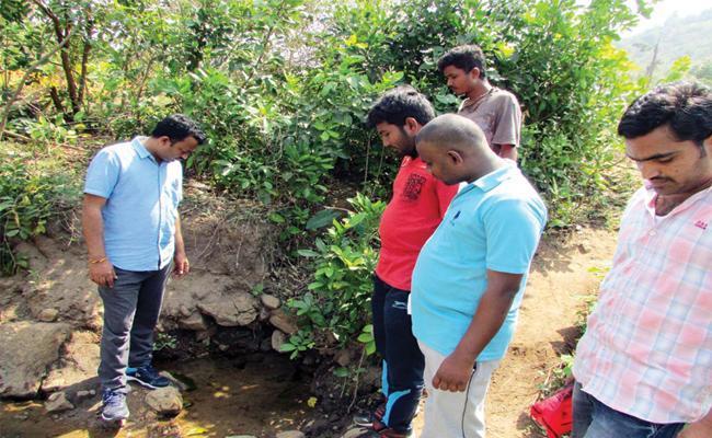 Water Levels Down in Vizianagaram - Sakshi