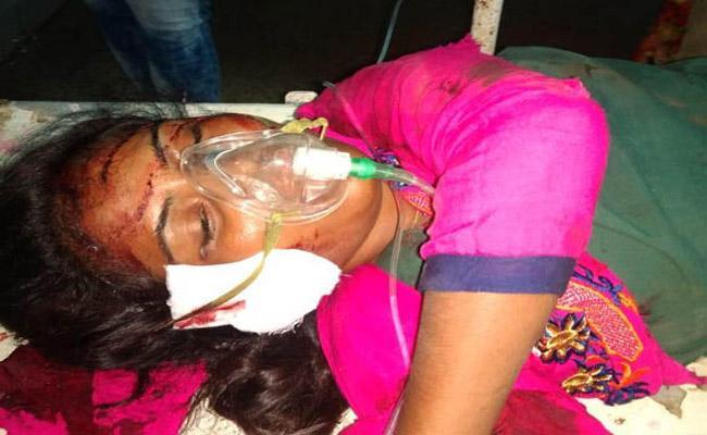 An Unknown Women Found At Jammikunta Railway Track - Sakshi