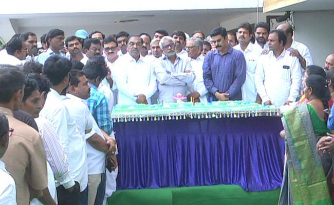 YSRCP 9th Foundation Day Celebrations At Party Central Office - Sakshi