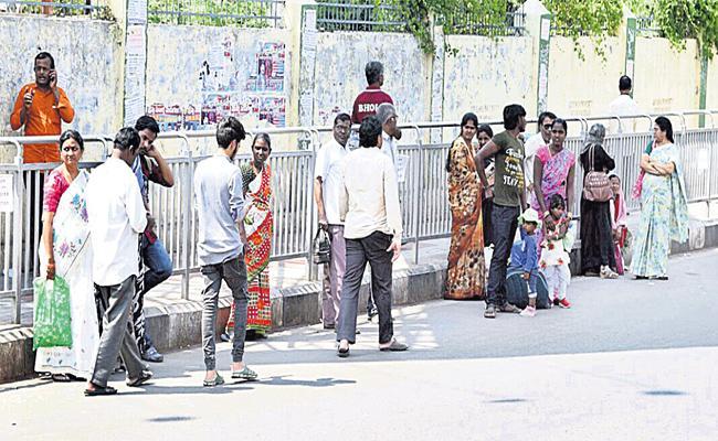 Bus Stops Shortage in Hyderabad - Sakshi