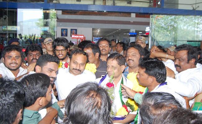 Daadi Visited Visakha - Sakshi
