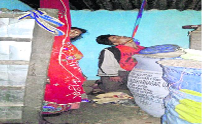 Lovers Committed Suicide As Their Love Rejected By Parents In Jayapuram - Sakshi