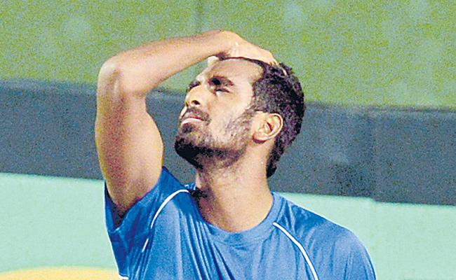 Indian Wells: Prajnesh Gunneswaran goes down fighting to Ivo Karlovic - Sakshi