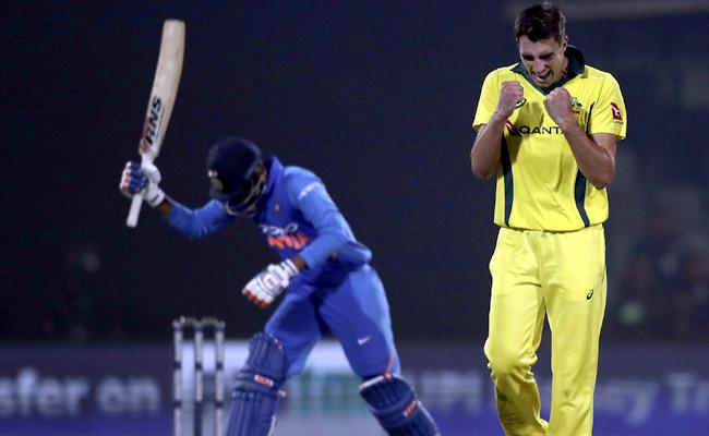 Australia Won Fifth ODI By 35 Runs - Sakshi