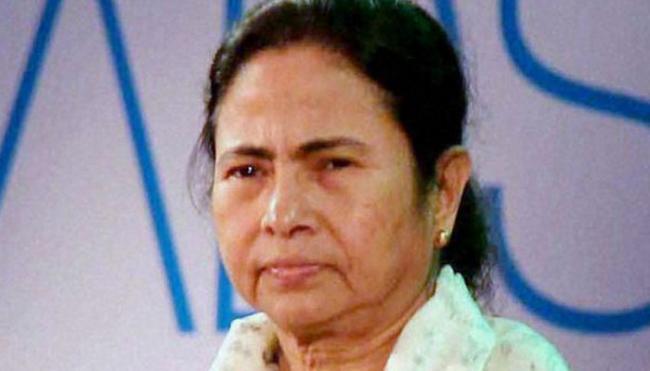 Trinamul Chief May Campaign Against PM Narendra Modi in Varanasi - Sakshi