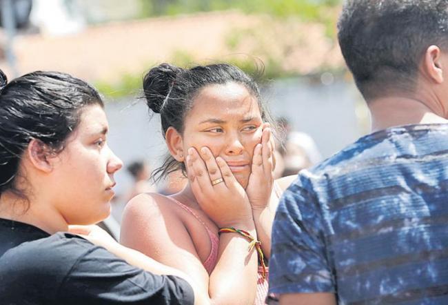 8 killed in Brazil school - Sakshi