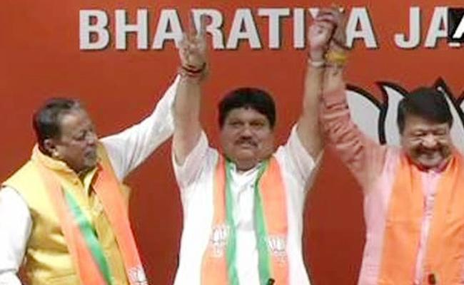 Trinamool Lawmaker Joins BJP - Sakshi