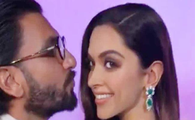 Ranveer Singh Comments On Deepika Padukone Wax Statue - Sakshi