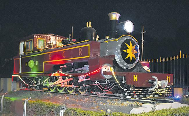 Special story on old rail engine - Sakshi