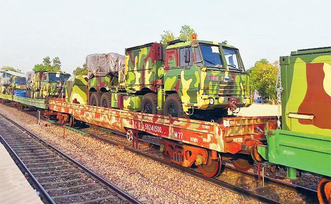 1.5 Lakhs Jawans And 60 Special Trains For Lok sabha Elections - Sakshi