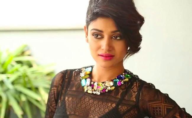 Another Case File on Actress Oviya - Sakshi