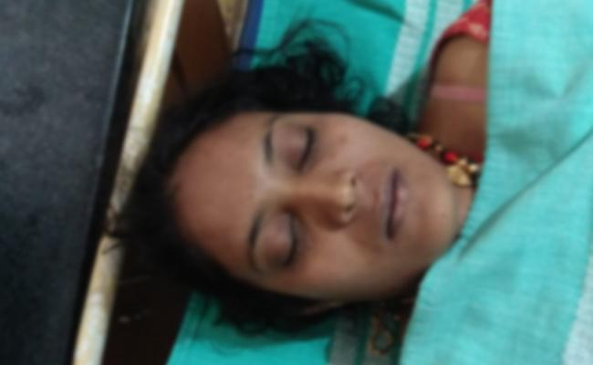 Married Woman Commits Suicide in Karnataka - Sakshi