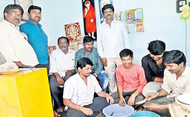 Viswa Brahmins Happy With YS Jagan Promises - Sakshi
